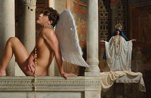 TIK TOK CENSURA IL VIDEO MUSICALE GAY DI MAXIMO DE MARCO!